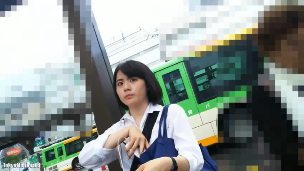 『バスのりばで見つけた女子校生スカートめくり撮影』《超高画質》ドアップパンティ撮影♡♡♡♡♡