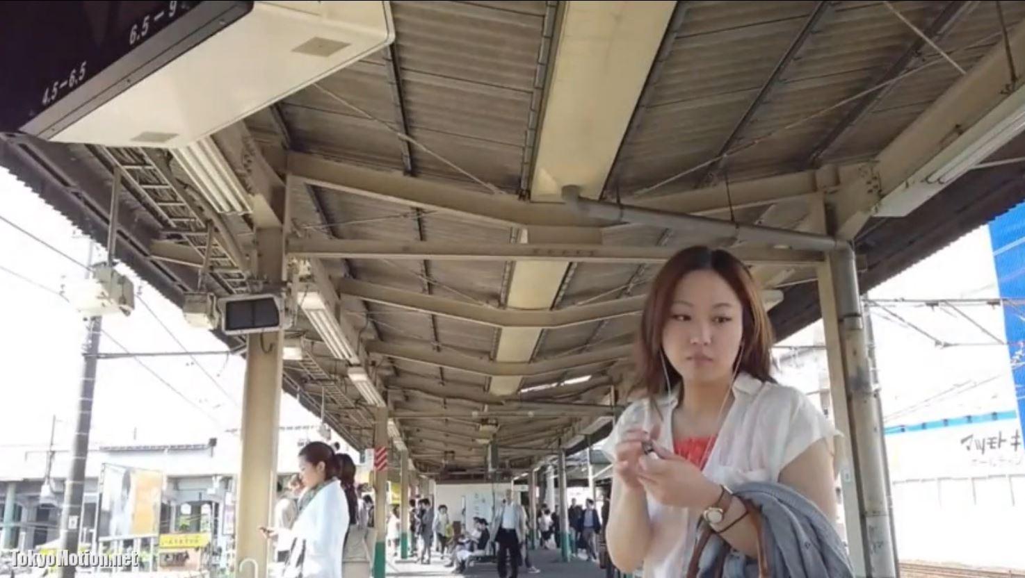 【スカートめくりパンティ撮影】駅で見かけた美人さんを追いかける