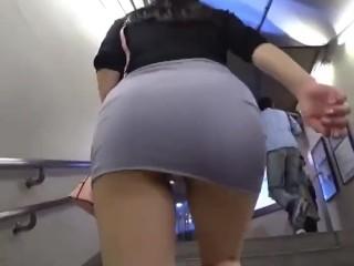 【パンチラ盗撮】超タイトなミニスカ女性の階段パンチラ